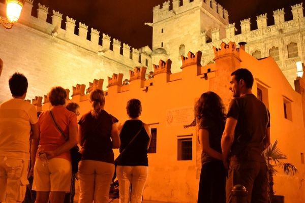 MISTERIOS Y LEYENDAS A LA LUNA DE VALENCIA